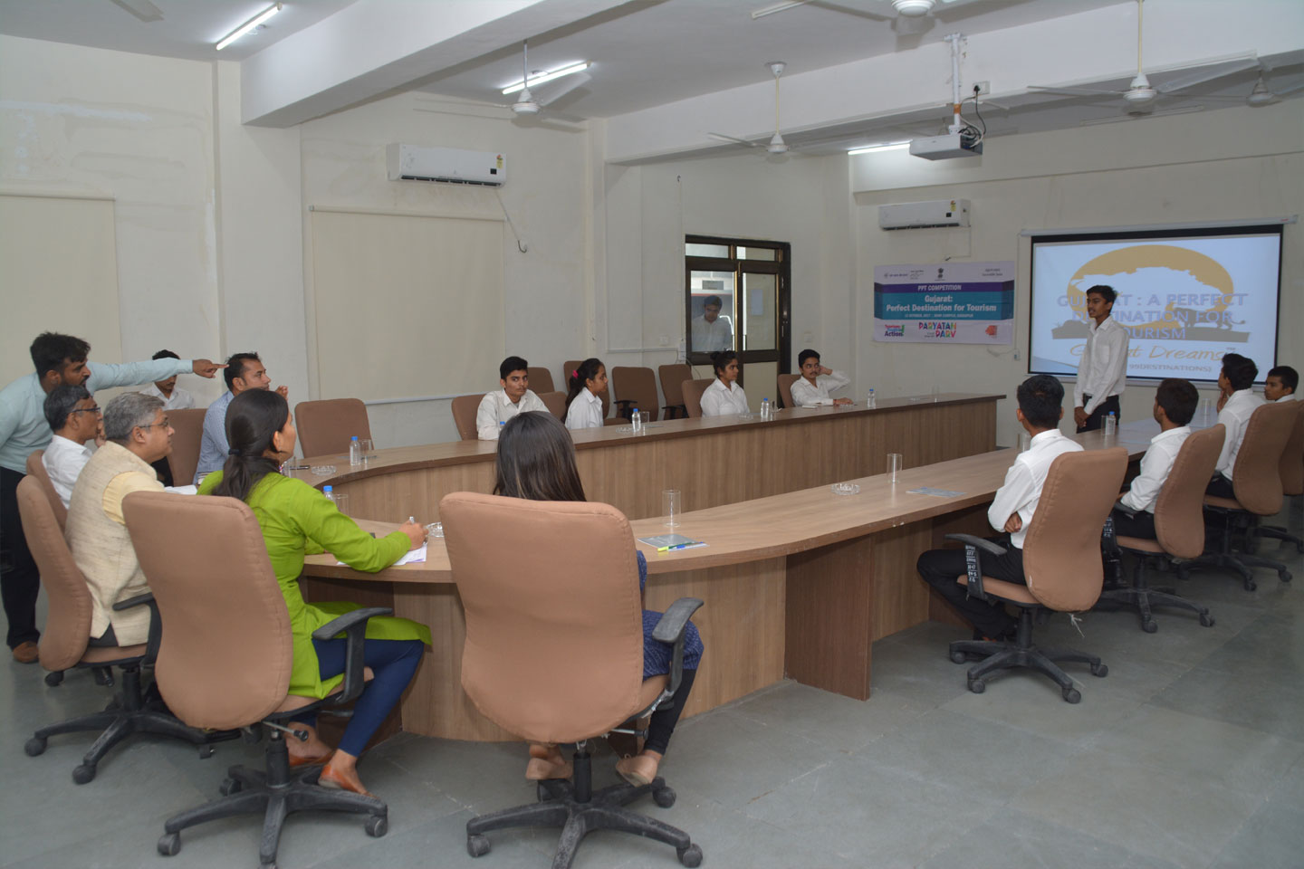 PPT Competition: Gujarat- Perfect Destination for Tourism 12th October, 2017